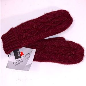2/$20 NWT Burgundy Red Knitted Mittens